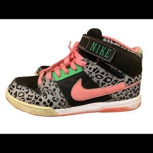 Nike high tops size 8.5
